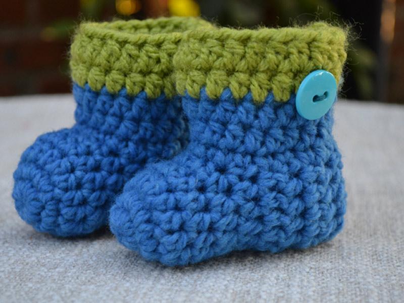 Blue-crochet-newborn-baby-boots